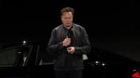 【游侠网】特斯拉Model S Plaid玩《赛博朋克2077》