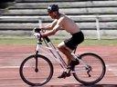 国外新型手脚并用自行车